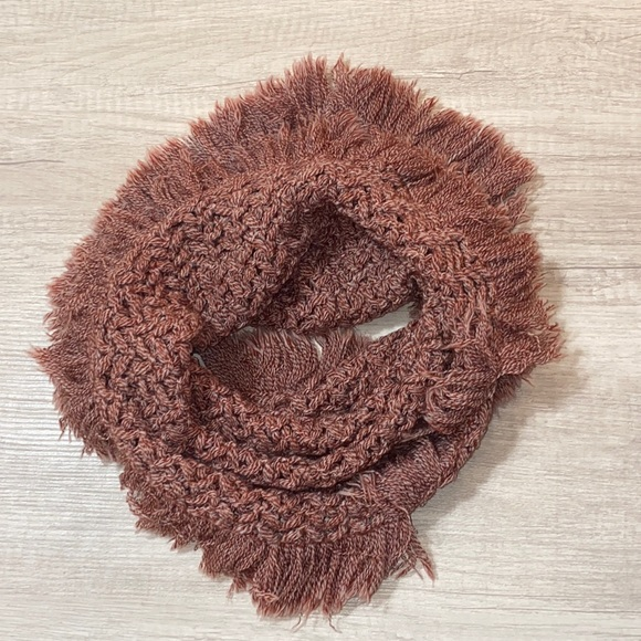 American Eagle- Red and white heather scarf
